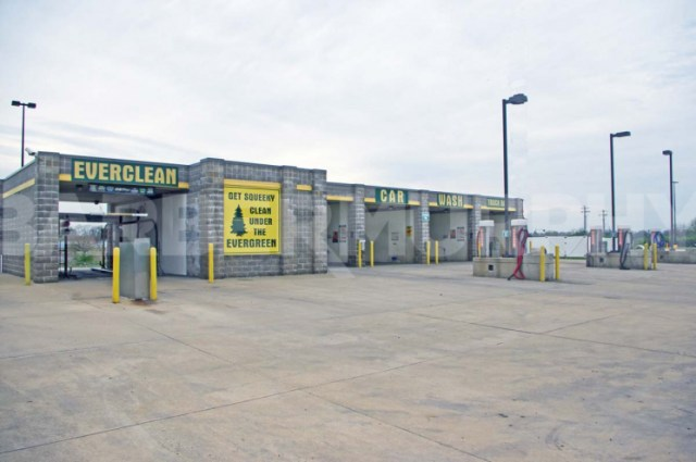 Image of Car Wash Exterior for Granite City Car Wash for Sale - Investment Opportunity, 387 West Pontoon Rd, Granite City, Illinois 62040, Madison County