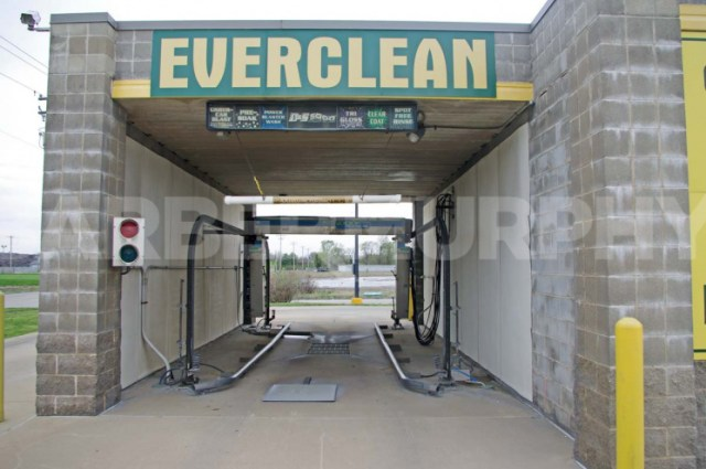 Car Wash Automatic Bay , Granite City Car Wash for Sale - Investment Opportunity, 387 West Pontoon Rd, Granite City, Illinois 62040, Madison County