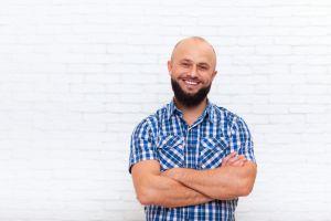 Eine Glatze Und Ein Bart Sind Beste Freunde Barber Trends