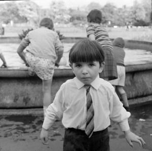 enfant avec cravate