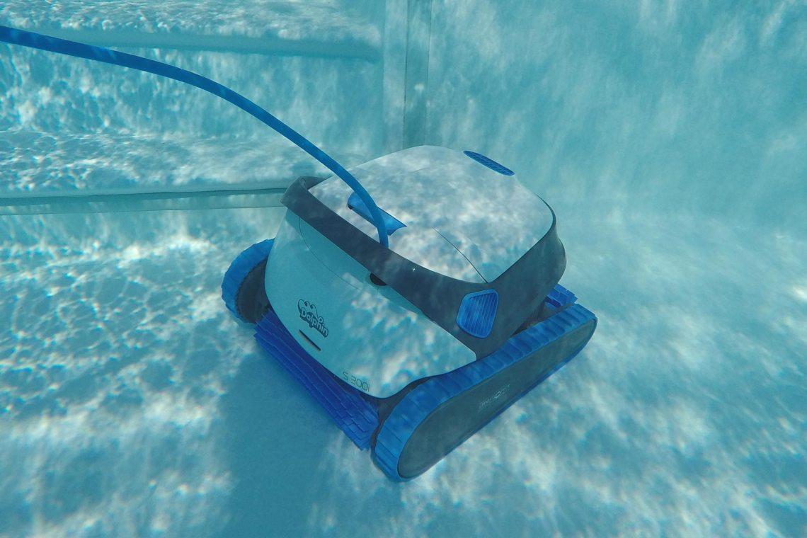 Robot connecté piscine