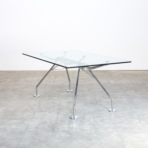 Side Table Van Glas.Glas Barbmama