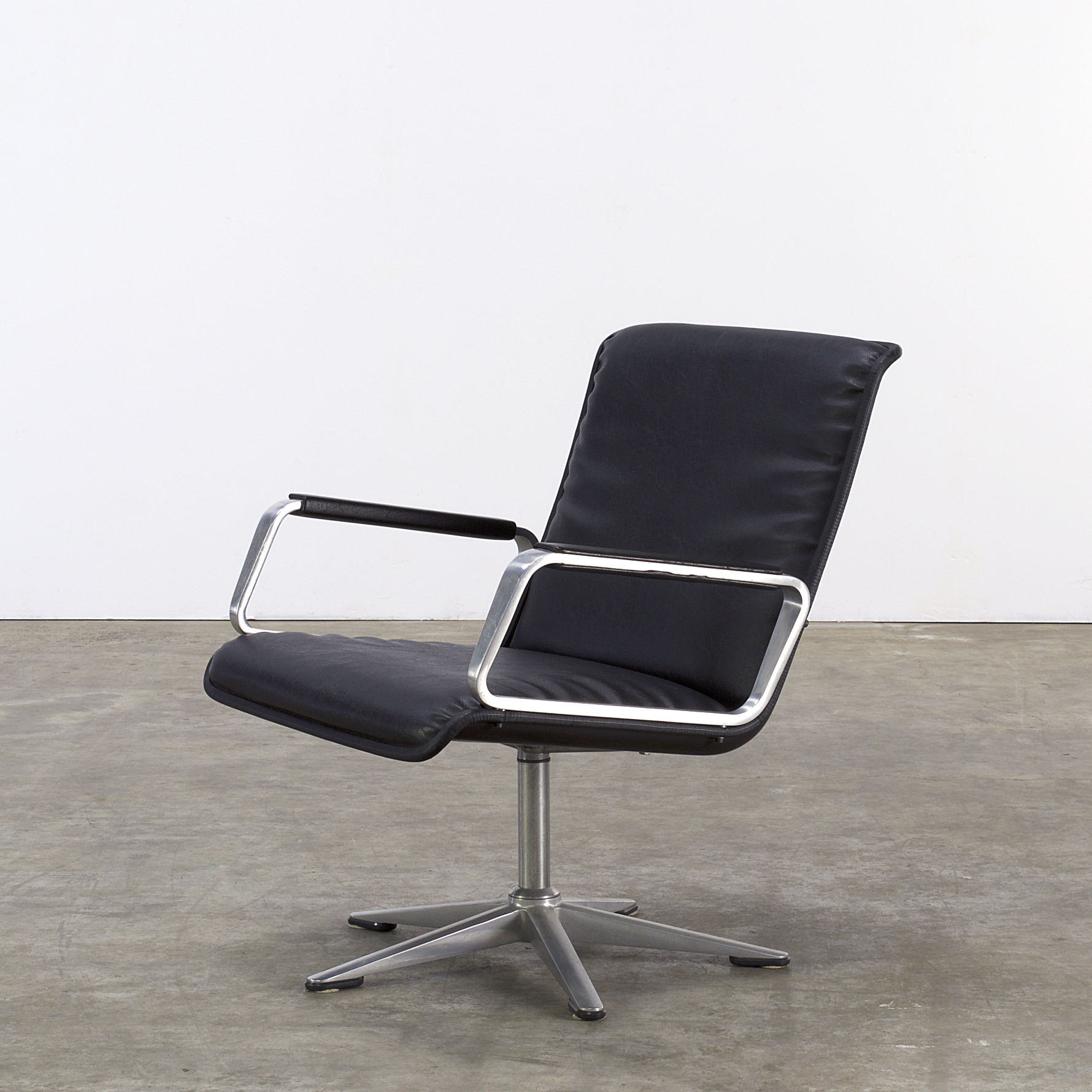 office lounge chairs backless yoga chair 70s from delta series for wilkhahn