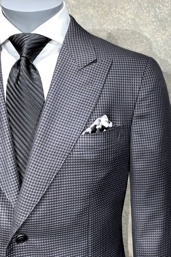 Ravazzolo Jacket Made of 54% Silk/46% Super 130's Wool Italian Cloth