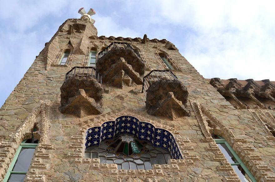 visitar Bellesguard Gaudi Barcelona con niños