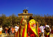 love in front of catalan parliament