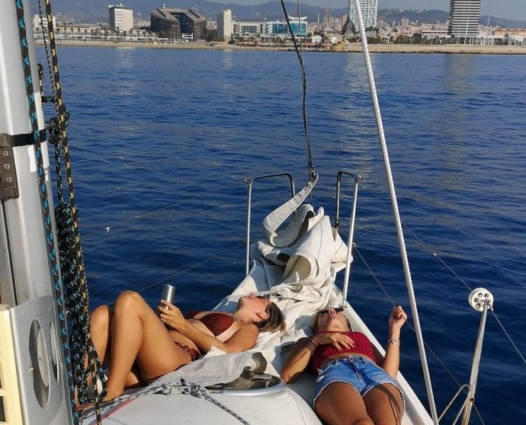 2hr barcelona sailing tour