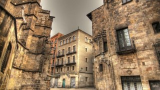barrio-gotic-neighbourhood-in-barcelona-spain