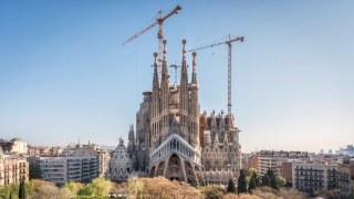 Sagrada Familia 2000x1125 2