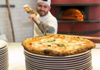 cena-grupal-en-LAntica-Pizzeria-Da-Michele-la-autentica-pizzeria-napolitana-en-Barcelona-1532162783704_1532162834833