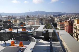 The Best Rooftop Bars In Barcelona Barcelona Youth Hostel