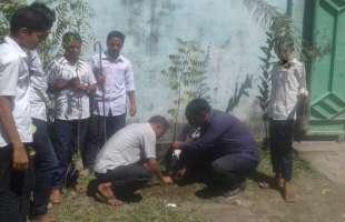বছরে ৩টি গাছ রোপণের অঙ্গীকার করেন নেত্রকোনার একটি স্কুলের শিক্ষক-শিক্ষার্থীরা