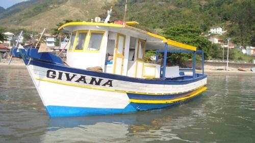 barco-para-pesca-em-sao-sebastiao
