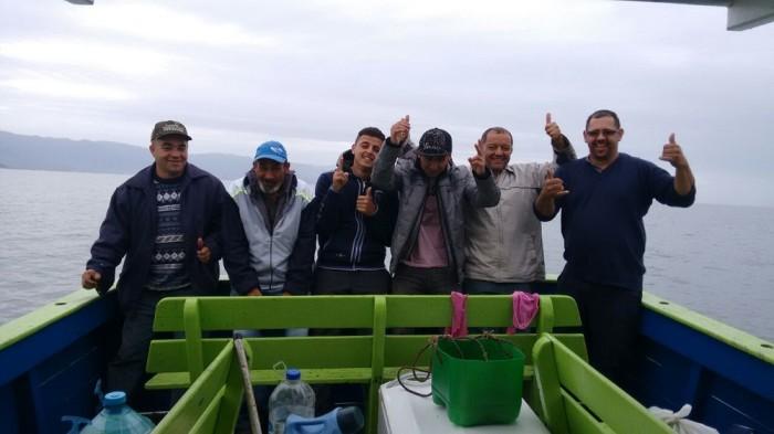 turma-indo-pescar-em-altomar-dominic-barco