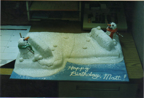 Fighting_snowmen_cake