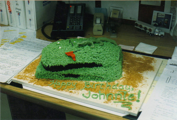 Golf_course_gator_cake