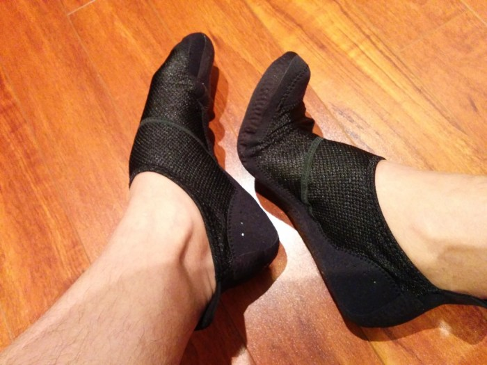 Comfortable sock-like fit, allowing full range of motion