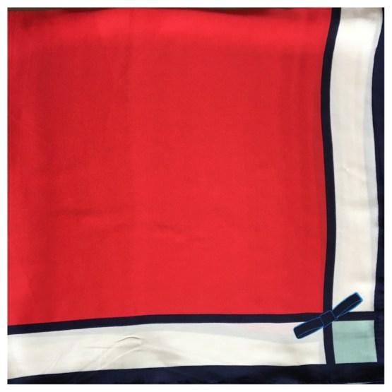 Silkeskjerf rødt
