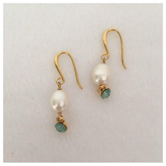 Øredobber med perle og lys turkis Swarovski-krystaller