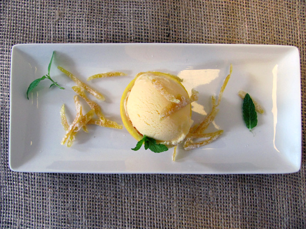 Here's my White Truffle Gelato, with mint and orange rind candy.