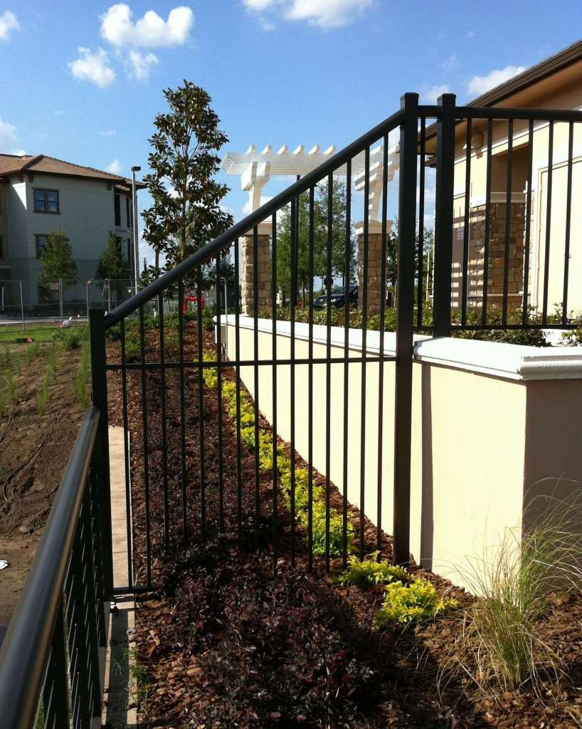 Multi color coating pattern fence barfield and