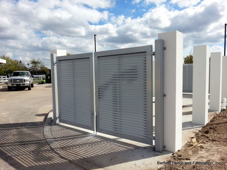 Aluminum Louver Gate on 6 x 6 Steel Posts