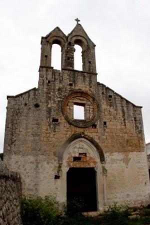 A Ceglie una cripta contesa e la chiesa sta sprofondando