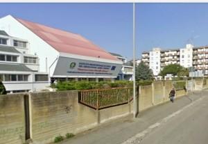 Diretta      /     Attentato esplosiovo  davanti a una scuola studentessa morta, sei feriti a Brindisi
