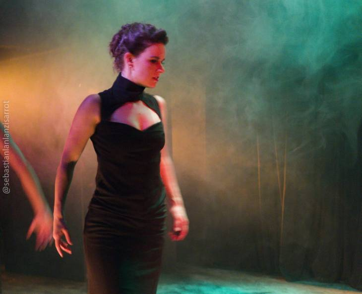 Dançarina do grupo de tango Del Otro Lado
