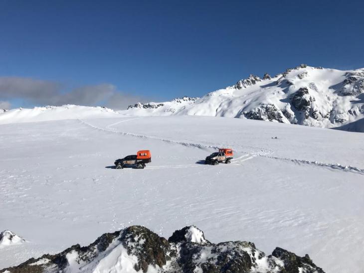 Snowcat no planalto nevado do Cerro Perito Moreno