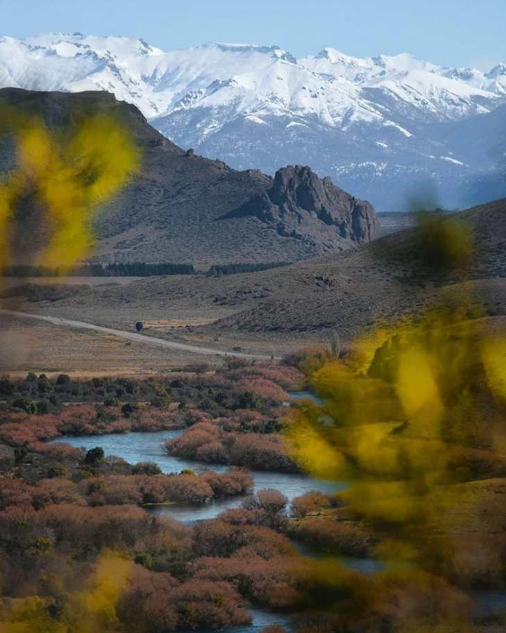 Rio Limay, estepe patagônica.