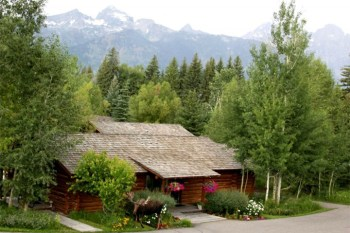 Dornan's Spur Ranch Cabins