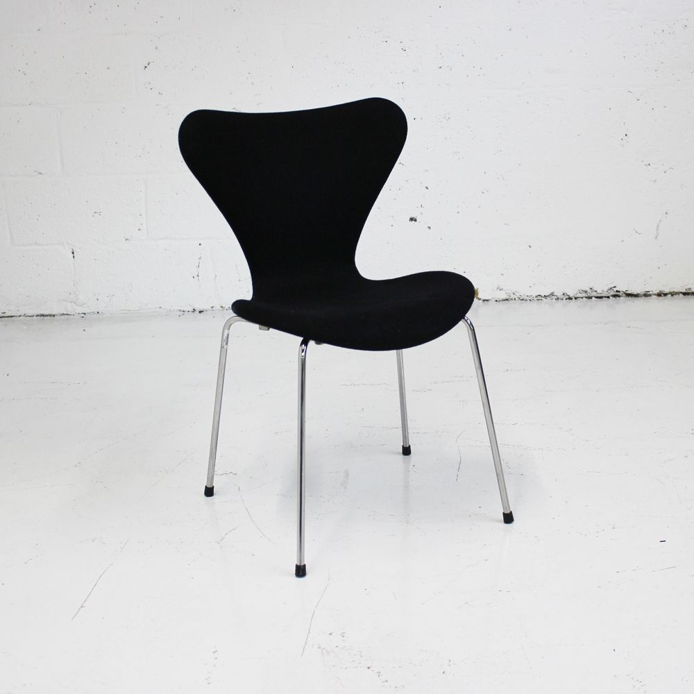 Fritz Hansen Chairs Fritz Hansen Series 7 Fully Upholstered