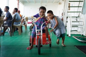 ©2016 Mercy Ships - Photo Credit Katie Keegan - Elina (MGC07074) plays with another patient on Deck 7