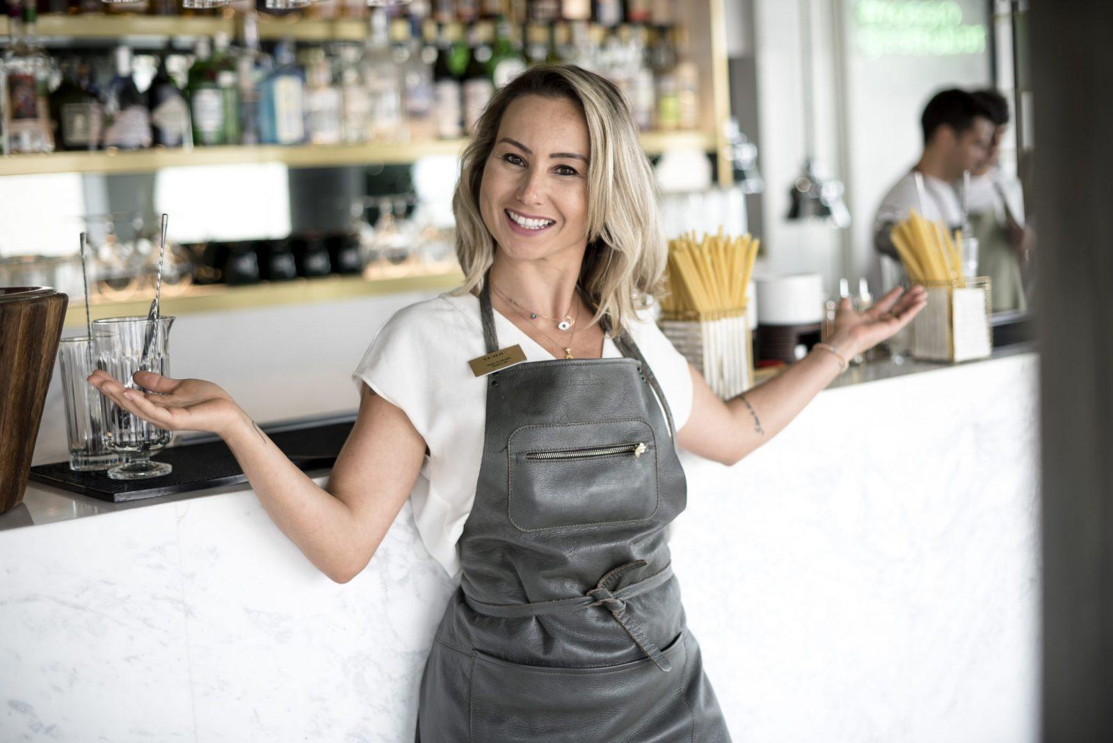 Flavi Andrade, la exitosa barmaid brasileña