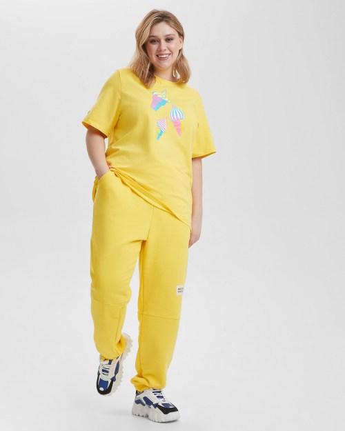 Футболка женская «Мороженое» желтая