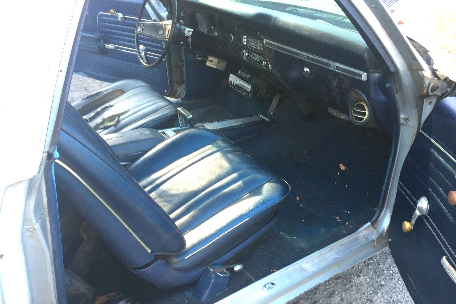 hight resolution of the dark blue interior with the silver exterior is a lovely color combination for this el camino