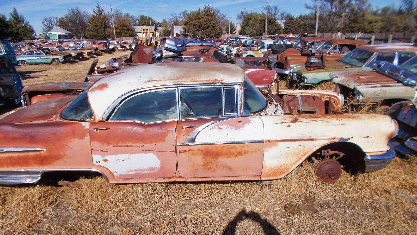 Wallpaper Accident Cars Buick And Pontiac Salvage Yard Liquidation
