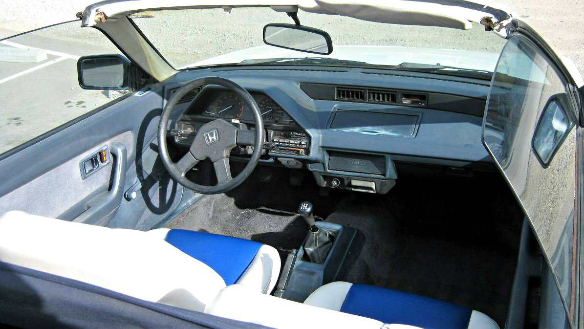 hight resolution of the interior of the first generation crx is simple and has a lot of plastic the simplistic interior is actually very charming and very well laid out with