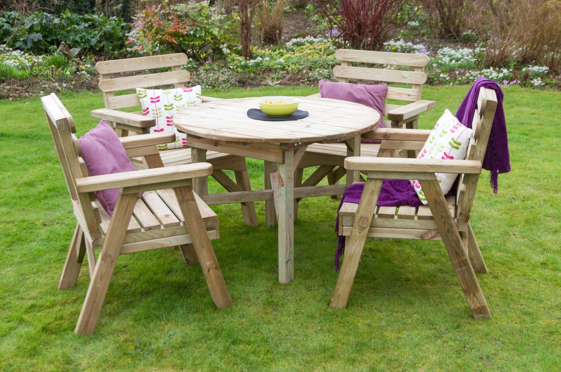 Hover Round Chairs Zest4leisure Abbey Round Table 4 Chair Set