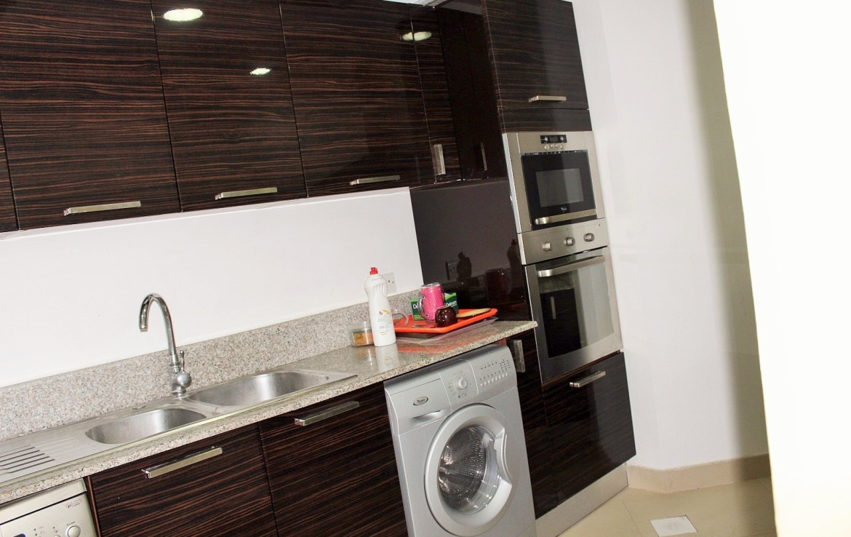 Spacious 2 Bedroom Apartment 4