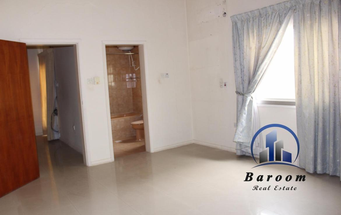 Grand Three Bedroom Apartment 8