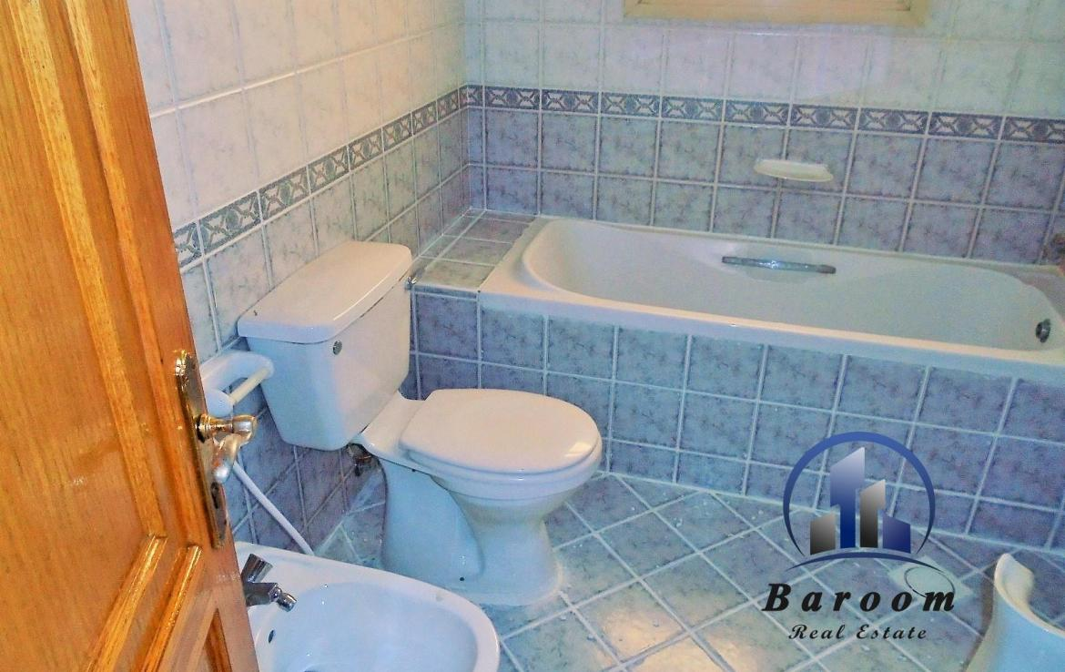 Two Bedroom Bright Apartment9