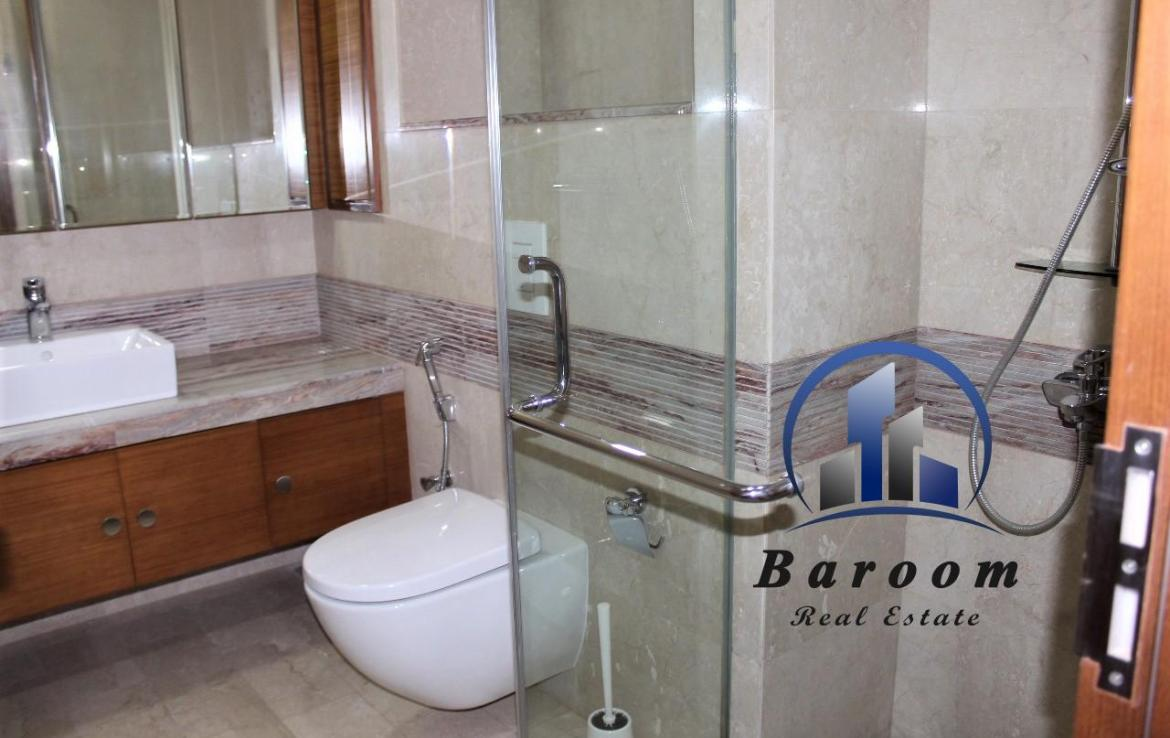 Two Bedroom Bright Apartment10