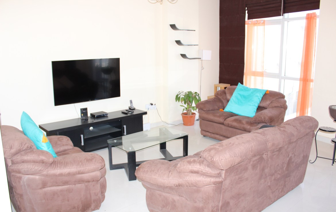 Bright Two Bedroom Vibrant Apartment