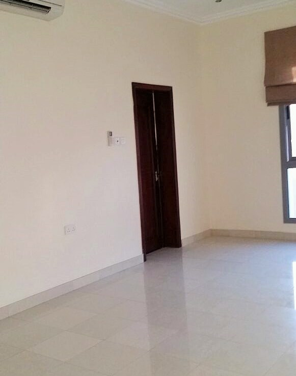 Two Bedroom Bright Apartment7