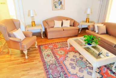 Delightful Two Bedroom Stylish Apartment