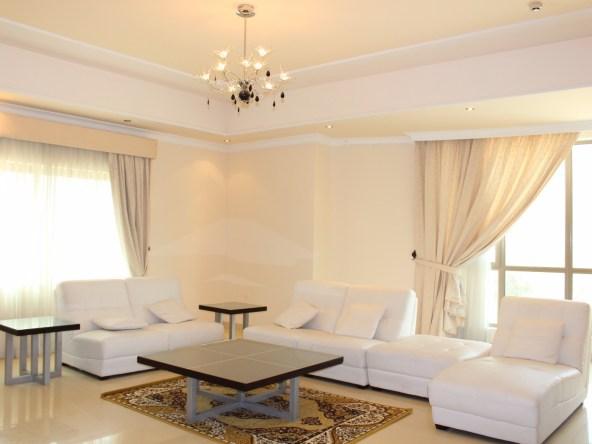 Alluring Three Bedroom Modern Apartment