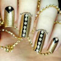 black and gold nail design