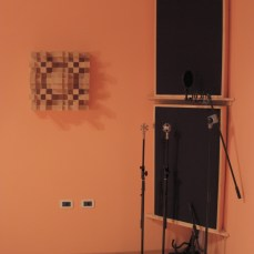 Corner with diffuser and bass traps